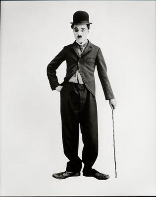 Charlie_Chaplin_classic_pose